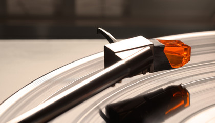 Turntable-cartridge-vinyl LP