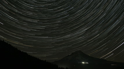 Long Star Trails from Perseid Comets in Trillium Lake Time Lapse
