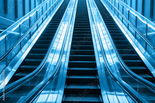 escalator going up stair