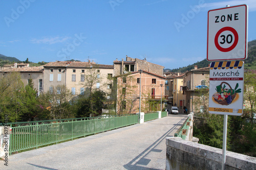 Le village de Saillans, Drome