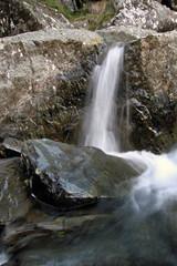 Cascada en arroyo de la Miacera, El Gasco, Hurdes, España