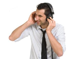 Ragazzo che ascolta la musica