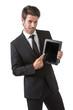 Uomo elegante in piedi con tablet