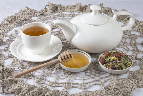 Herbal tea with honey. Set for knitted napkin.