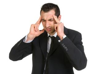 Giovane uomo con dolore di testa