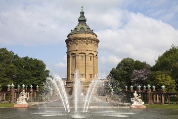 Wasserturm  am Friedensplatz Mannheim Panorama