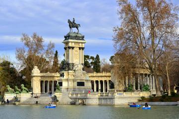 Monumento a Alfonso XII en el Retiro. Madrid
