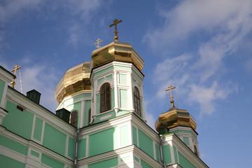 Фрагмент храма. Золотые купола