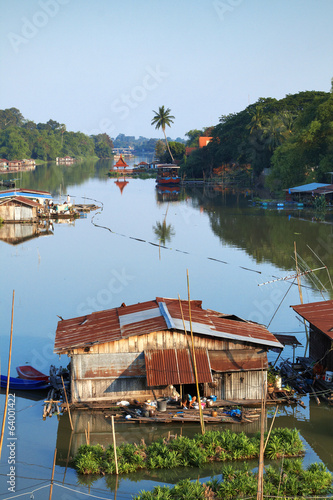 Foto op Plexiglas Indonesië house boat and river in thailand