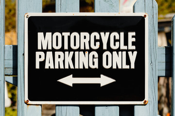 Schild - Motorcycle parking only