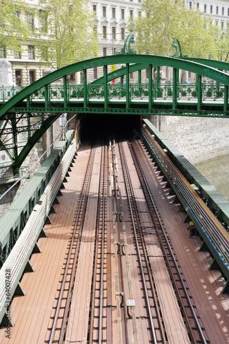canvas print picture Rundbogenbrücke in Wien 6