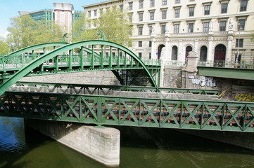Rundbogenbrücke in Wien