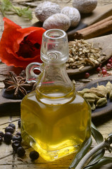 Olio di oliva e spezie Aceite de oliva y especias Olive oil