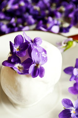 Ice cream with wild violets