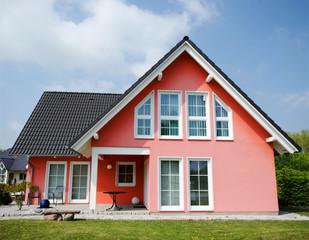 Wohnhaus - Zuhause - Besitz