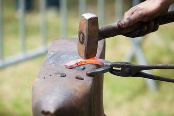 fabriquer un fer à cheval