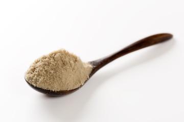 スプーン一杯の粉末黒砂糖