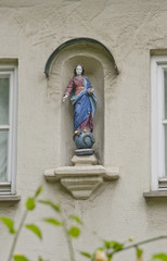 Historische Wandfigur in Augsburg