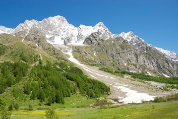 Val Ferret con Monte Bianco