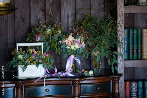 beautiful floral composition on camode bouquets