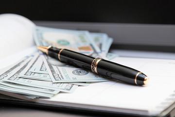 Шариковая ручка против банкнот. (2)