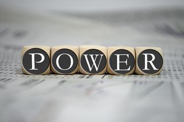 Würfel in Grau mit Power