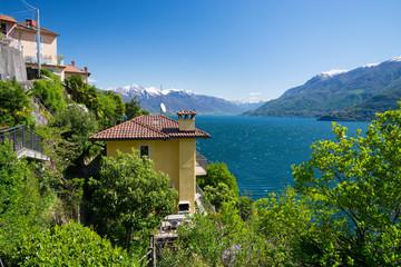 Blick von San Bartolomeo auf den Lago Maggiore