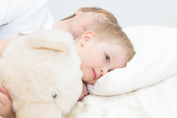 child wake up in early morning