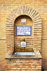 Fuente de agua potable, Lanjarón, provincia de Granada, España