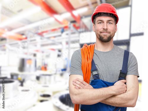 Facharbeiter im Maschinenbau // Engineering - 64097826