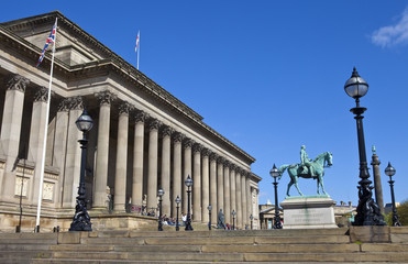 St. George's Hall, Prince Albert and Wellington's Column in Live