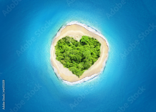 island heart shape - 64115019