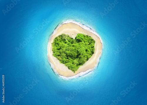 island heart shape - 64115019