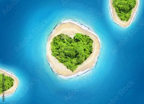 island heart shape - 64115040