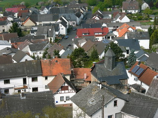 Blick von der Burgruine auf das Dorf Vetzberg bei Gießen