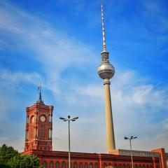 Instant - Rathaus Und Fernsehturm In Berlin