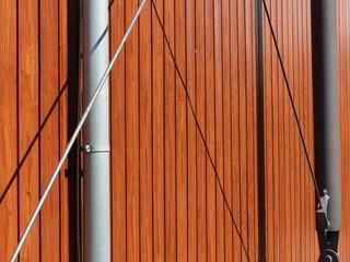 Verstrebungen einer Fassade in Holzbauweise in Vetzberg