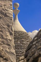 Pietre di Puglia:trulli di Alberobello.-ITALIA-