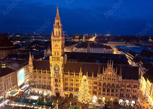 Tuinposter Luchtfoto Aerial image of Munich with Christmas Market