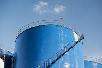 grain metallic silo