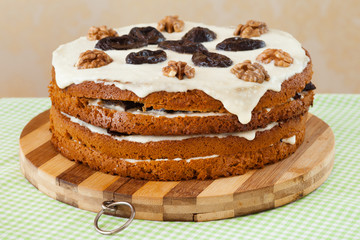 honey cake with plum and walnut