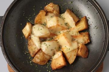 ジャガイモのチーズかけ