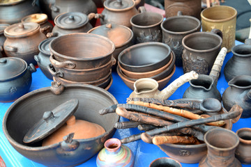 Sale of ceramic ware