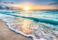 """Постер, картина, фотообои """"Sunrise over beach in Cancun"""""""