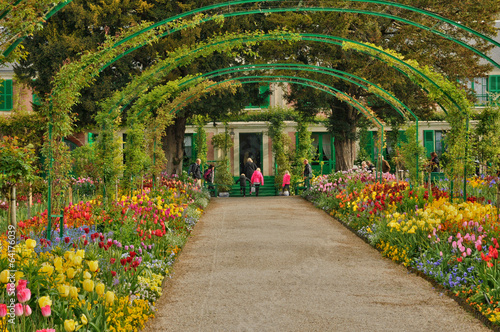 Fotobehang Tuin Monet house in Giverny in Normandie