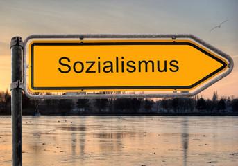 Strassenschild 9 - Sozialismus