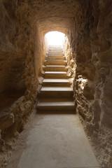 Escalier et couloir souterrain des Tombeaux des rois