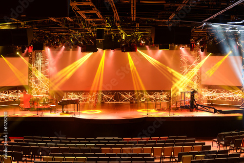 Papiers peints Opera, Theatre Stage With Lights and Piano