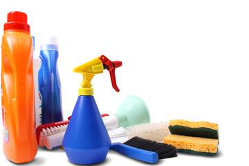 Detergenti e oggetti per la pulizia della casa