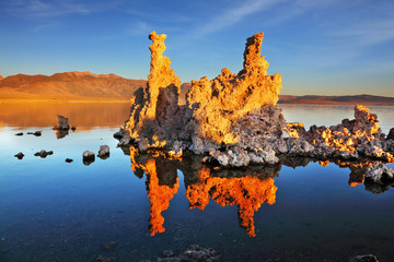 The sunset on Mono Lake